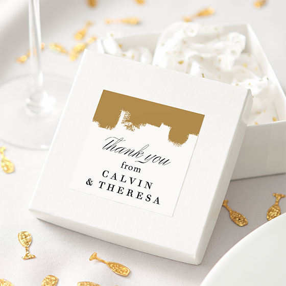 Wedding gift box customized with a personalized gift tag label.