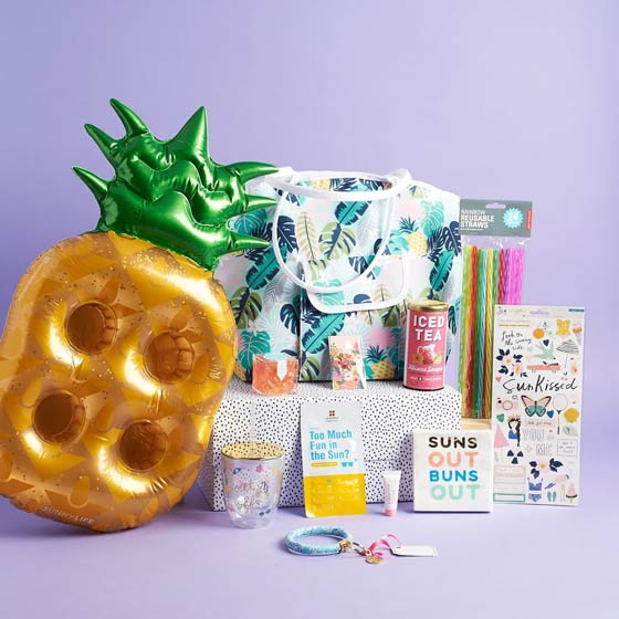 pineapple drink float and other summer products