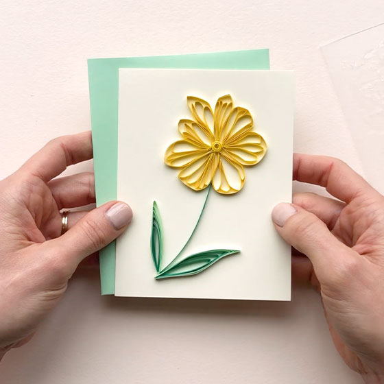 Video that teaches how to create paper quilling by Paper Source